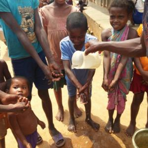 RANO-HP Kids washing hands