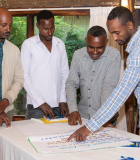 Muhammed Ibrahim works with members of the collective action group in Woliso, Ethiopia. Photo credit: Maheder Haileselassie